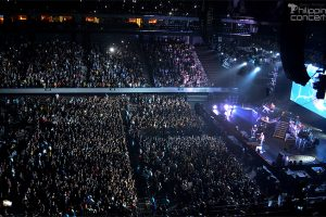 linkin-park-live-at-moa-arena-crowd
